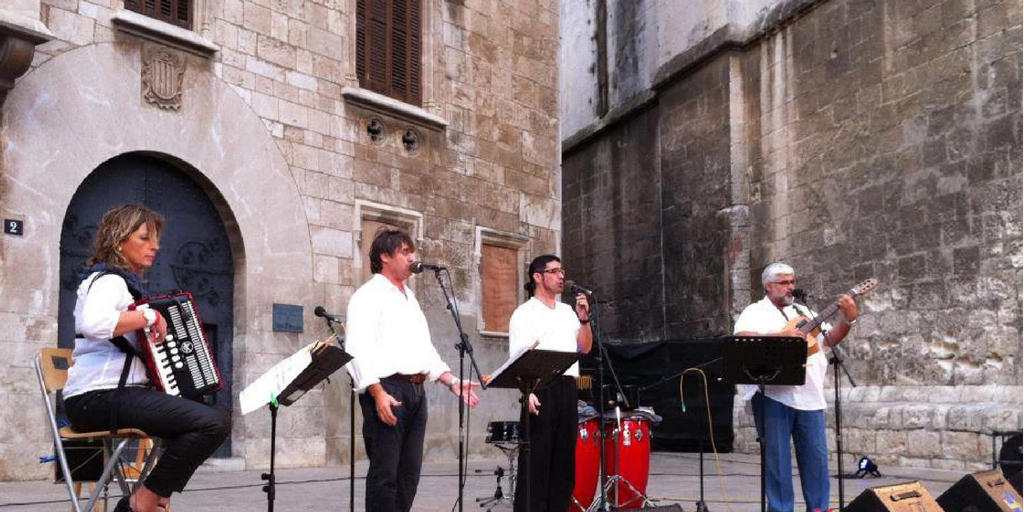 """Grup Xató presenta """"Un far per tornar"""", un nou espectacle amb cant i dansa"""