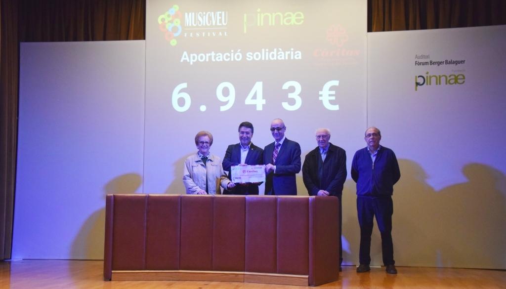 El Festival MUSiCVEU lliura 6.943€ solidaris a Càritas Interparroquial de Vilafranca